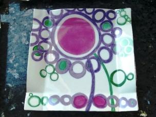 Bordé platine brillant violet framboise vert émeraude et turquoise