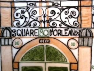 Porche du square