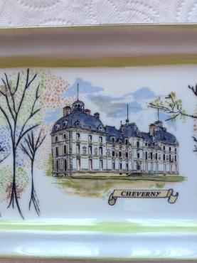 Bleu gris olive brun capucine crème Château revisité