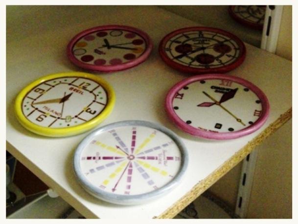 Montres qui indiquent heure des plats