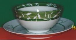 Tournette , blanc/vert, vert/blanc sur grande soucoupe