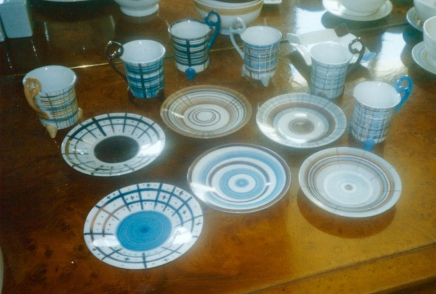 Ensemble de 6 tasses et sous-tasses assorties