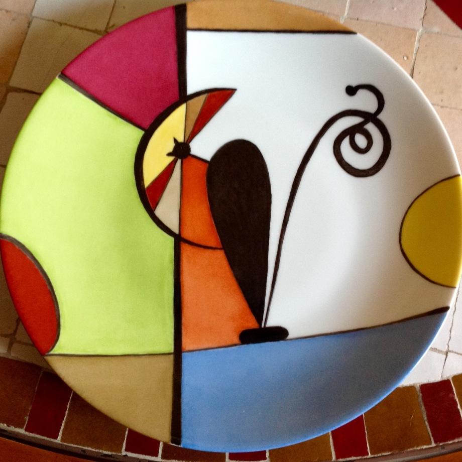Grande assiette, très belle porcelaine, collection AMAYA, version chat au soleil