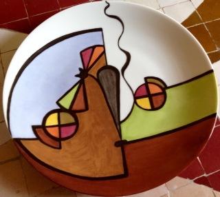 Grande assiette, très belle porcelaine, collection AMAYA, version chat à vélo